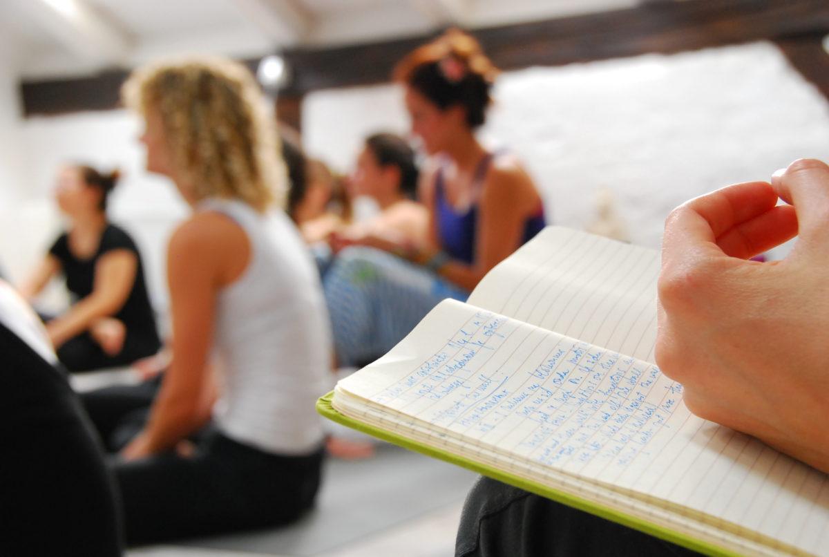 Wie du mit deinem Angebot als Yogalehrer deine Kunden begeisterst (mit Schritt-für-Schritt-Anleitung)