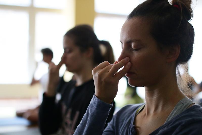 Konkrete Werkzeuge, um eine tiefe, entspannte Atmung zu entwickeln